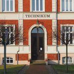Eingang des Technikums