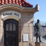 Sieleinstiegshäuschen und Denkmal Lindley
