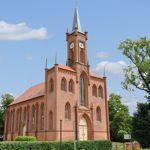 Hagenower Kirchentour: Neogotische Kirche in Redefin